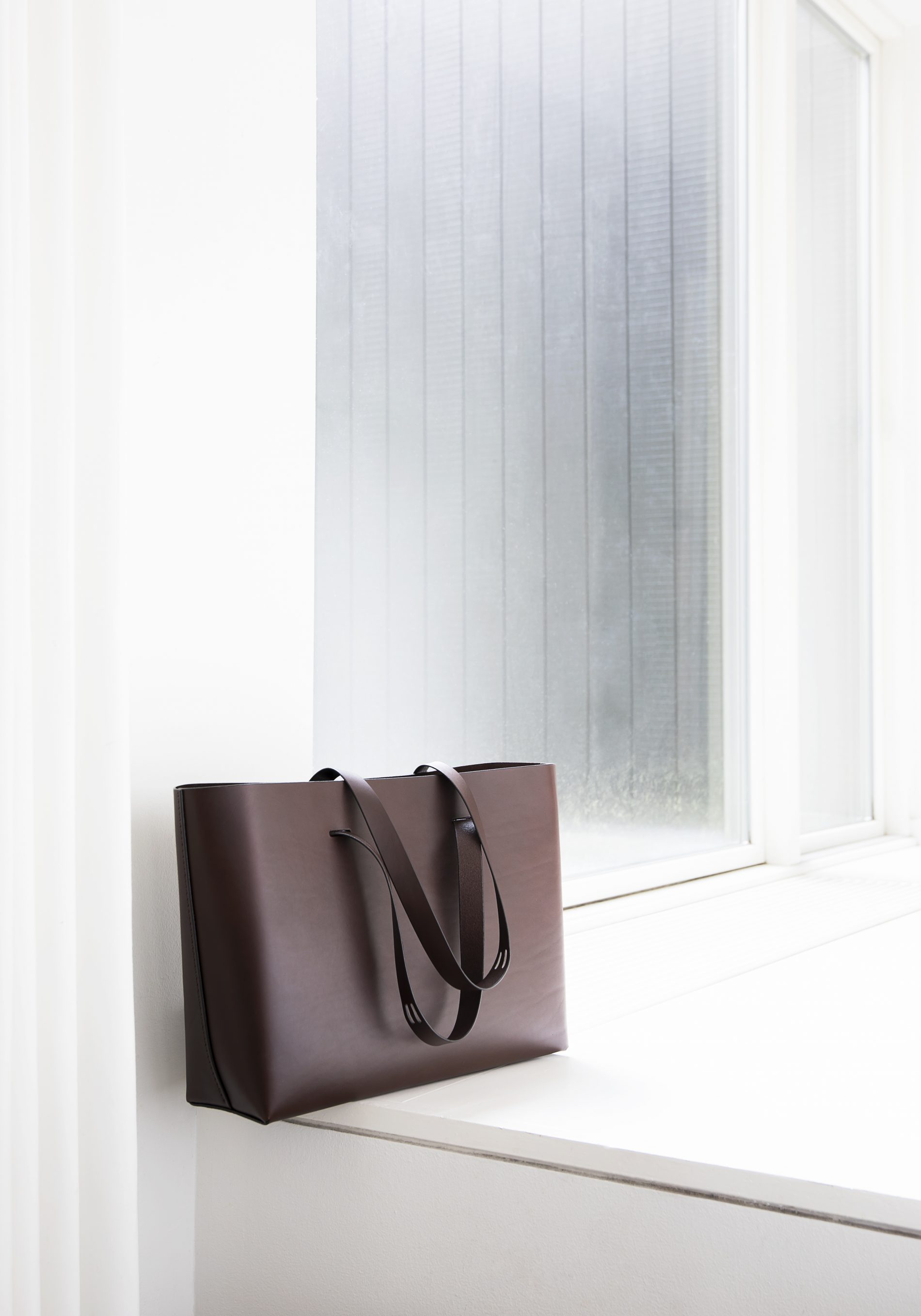 CUT bag by Lars Vejen for Leather By Hands 01